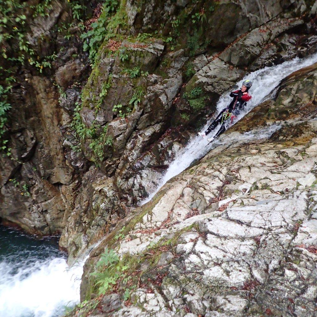 Toboggan dans le canyon de Bious (vallée d'Ossau, 64)