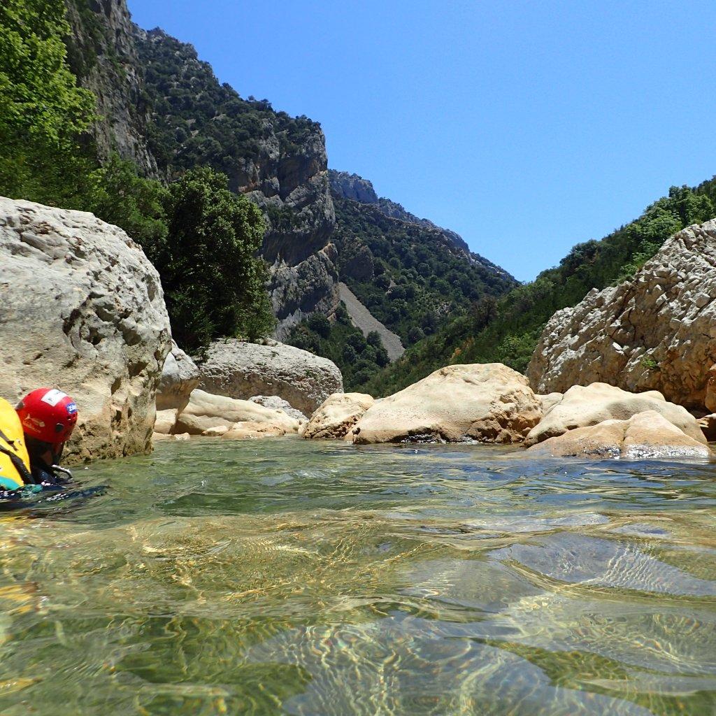 eau turquoise sierra de guara canyon