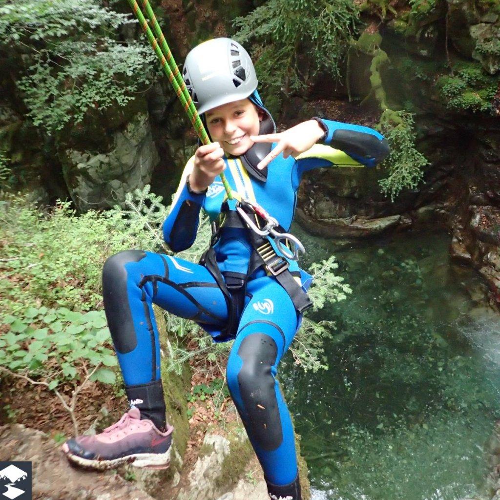 Rappel du canyon de Laruns en famille pour les vacances