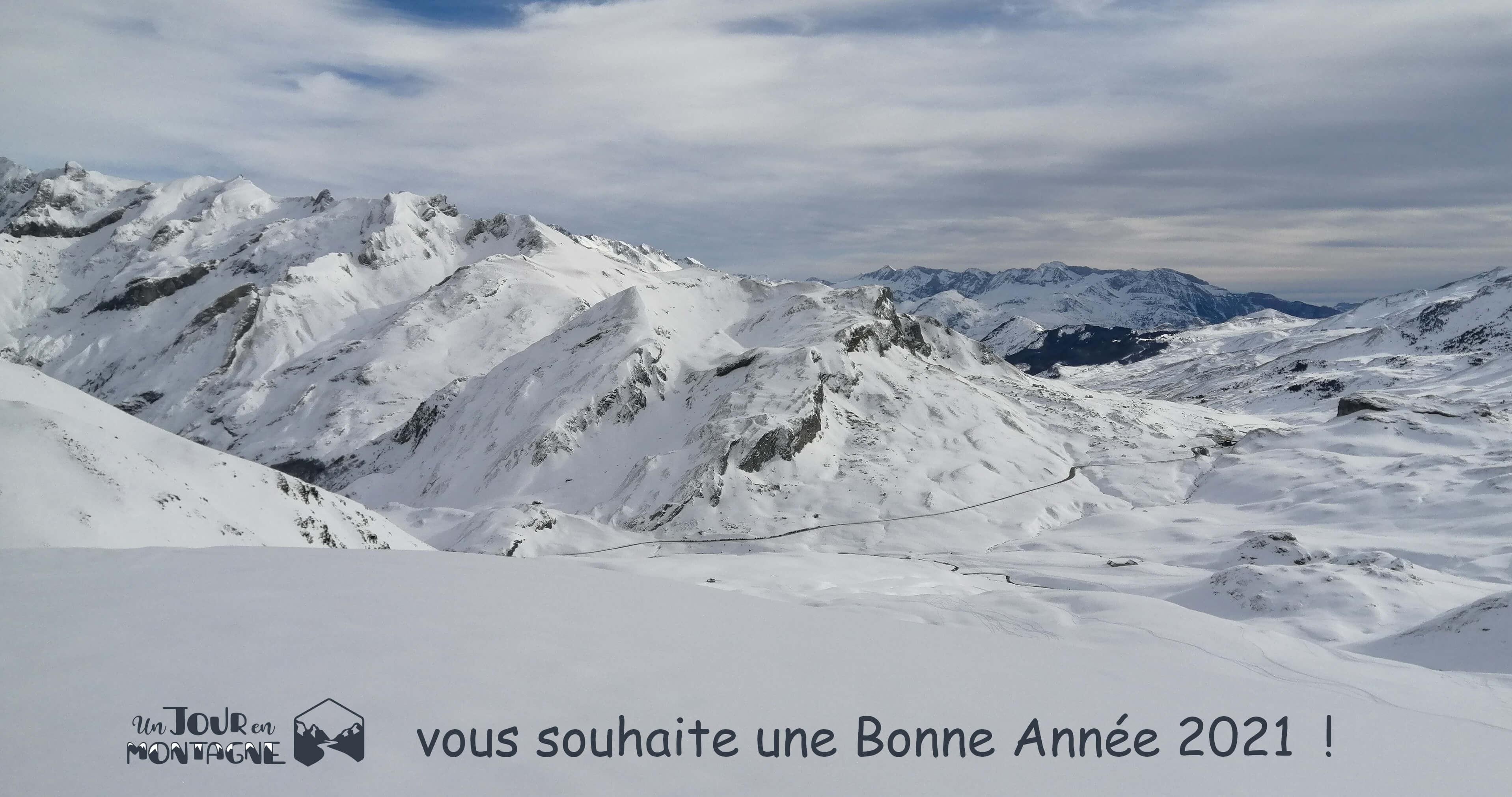 Montagne eneigée en vallée d'Ossau (voeux 2021)