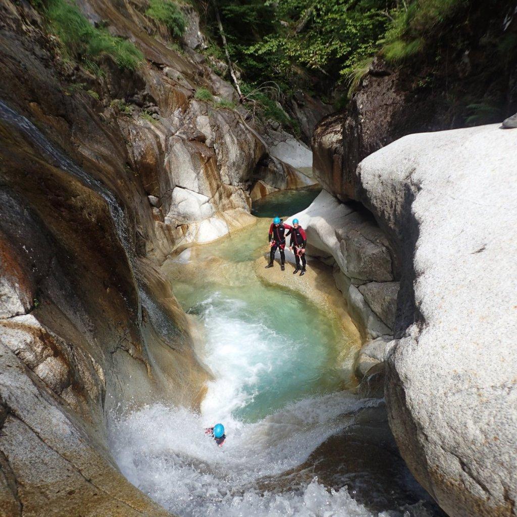 Toboggan dans le canyon du soussouéou